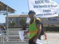 CAN84_marche-antinucleaire-pour-la-vie_Ardeche_Pont-St-Esprit_Bollene_autoroute_033.JPG