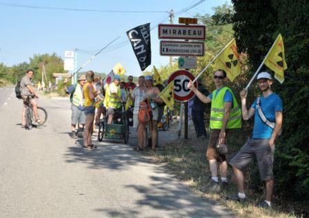 2012-08-18_CAN84_Marche-pour-la-Vie_entree-Mirabeau_libre-de-droit_Wolakota.jpg