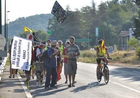 2012-08-18_CAN84_Marche-pour-la-Vie_sur-la-route_libre-de-droit_Wolakota.jpg