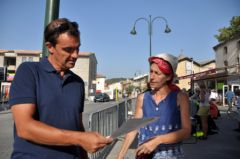 2012-08-22_CAN84_Marche-pour-la-vie_Caumont-discussion_Wolakota.JPG