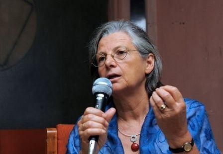 2012-08-03_annie-thebaud-mony-directrice-de-recherche-honoraire-a-l-inserm-le-6-mars-2011-a-ahmedabad-en-inde.jpg