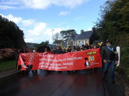 Banderole-marche-Flamanville-2016.jpg