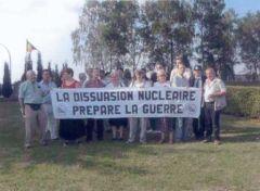 la-dissuasion-nucleaire-prepare-la-guerre_manifestation_belgique.jpg