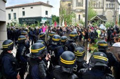 2018-06-16_forces-de-police-lors-d-une-manifestation-anti-nucleaire-a-bar-le-duc_pres-de-Bure.jpg