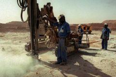 areva_uranium-travailleur-africain.jpg