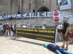 2013-07-15_CAN84_Die-in_Avignon_palais-des-papes_06.JPG