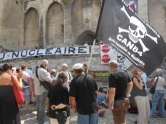 2013-07-15_CAN84_Die-in_Avignon_palais-des-papes_07.JPG