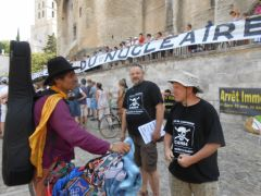 2013-07-15_CAN84_Die-in_Avignon_palais-des-papes_09.JPG