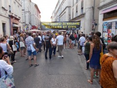 2018-07-05_Festival-Avignon_Parade-du-Off_CAN84-MCCA-CANSE_antinucleaire_03.JPG
